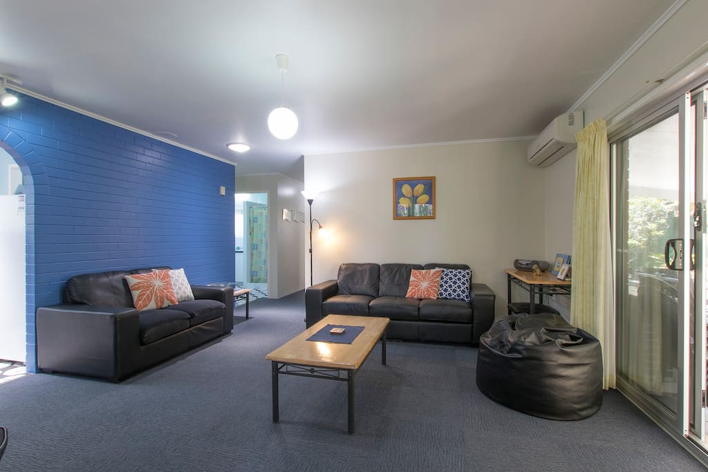 "Large comfortable air-conditioned lounge room, free NBN Wi-Fi, and ""STAN"".  Also access to our fully screened and secure ""Outdoor Room""."