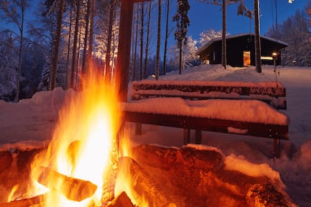 Luxury riverside cabin with hot tub - Rovaniemi