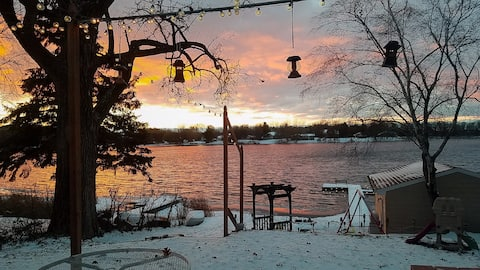 The Family Beach House - Lakefront on S.Coon Lake