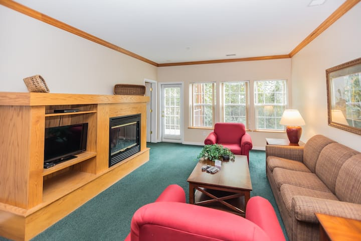 Spinnaker Condo Right by The Strip 1BR Deluxe