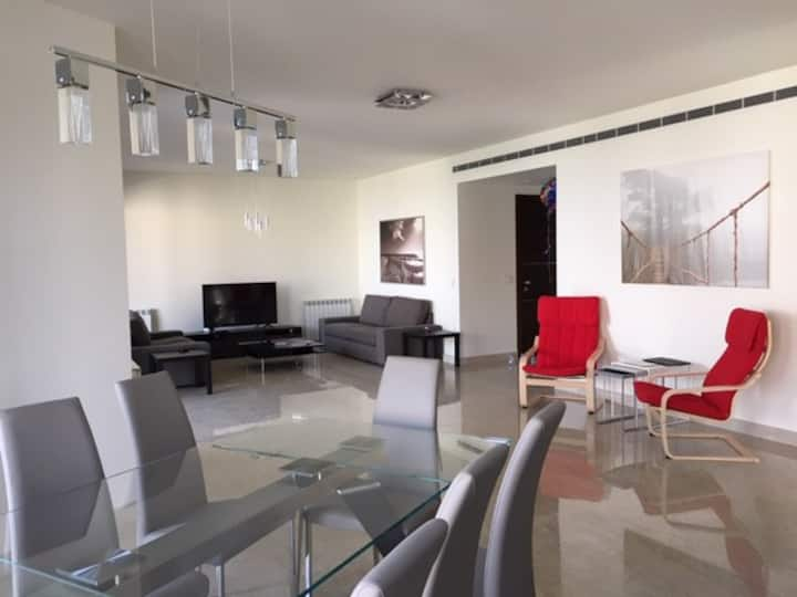 Bright spacious 3-bedroom apt in Beit Misk w/view