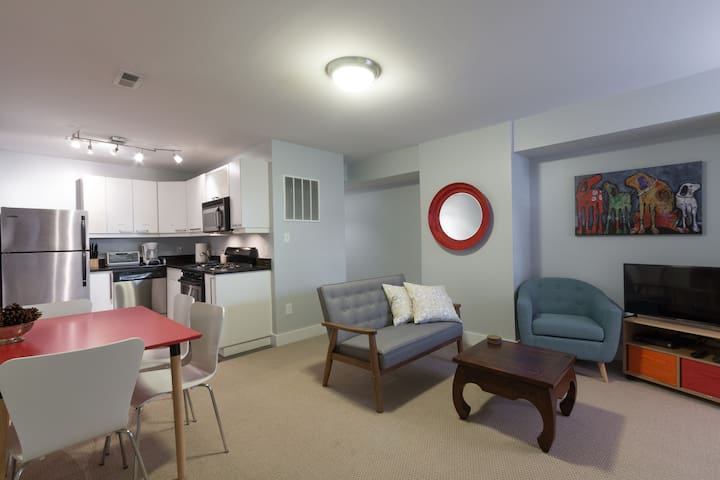 Charming 2BD in Hip Neighborhood - 3 Blks to Metro