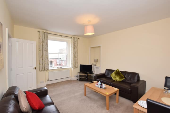 2 Bed Apartment Devonshire Buildings close to BAE