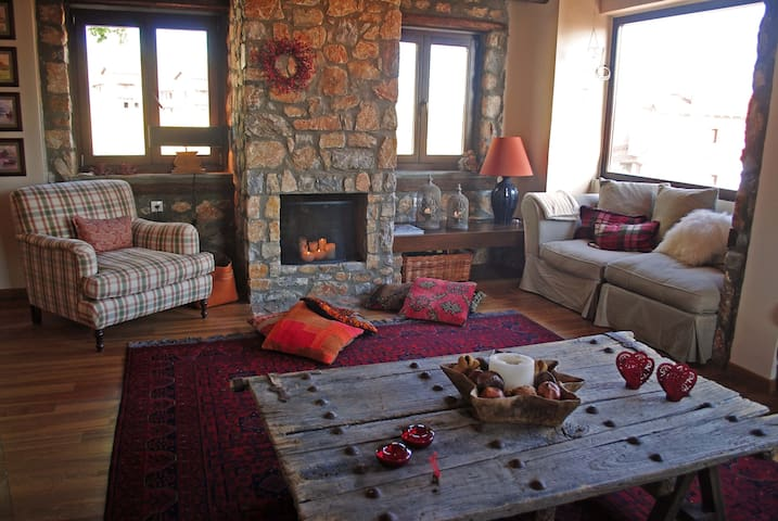 Amazing winter lodge - Agios Athanasios - Дом