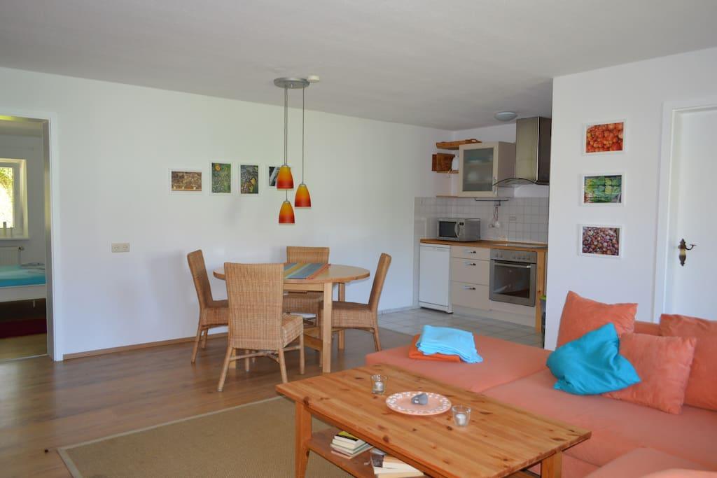 Küche mit Essbereich im WZ