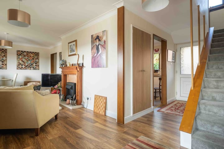 3 Bed House Close to City Centre & Business Areas.