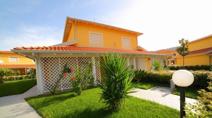 Portoada Park (32A) Top Class Villa Beach access