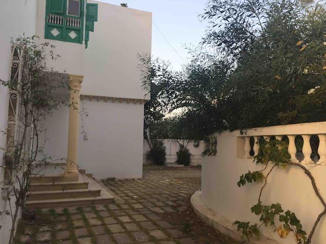 Grande  Villa A Hammamet  Zone touristique Nord