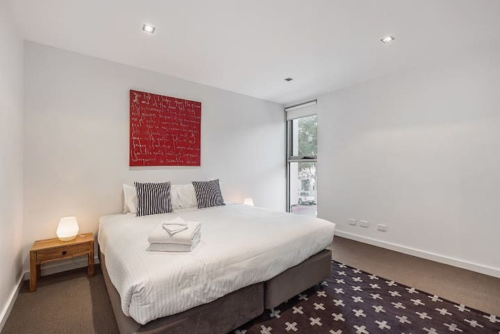 Melbourne Holiday Apartments - 2 Bedroom Apartment