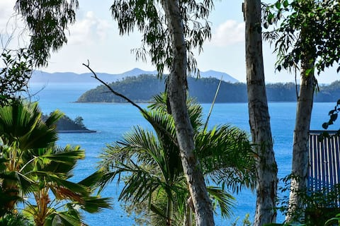Sunset Waters 6 Hamilton Island- 2 bed townhouse