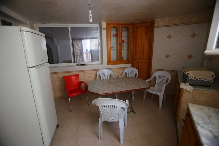 appart S+2 for 4 person near to the beach - Sousse - Apartamento