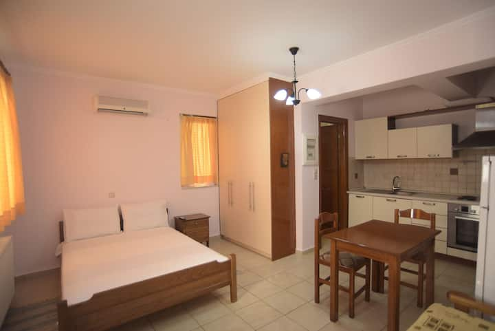 Central Little Apartment in Lefkada City