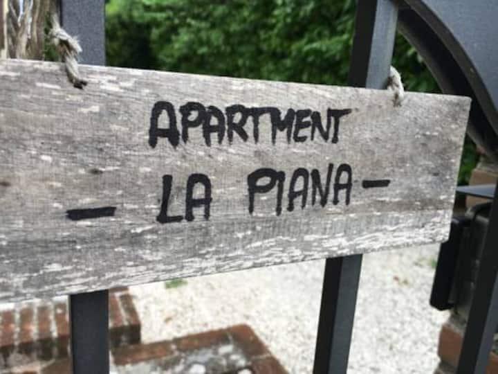 APPARTAMENTO ZONA COLLINARE IMMERSO NEL VERDE