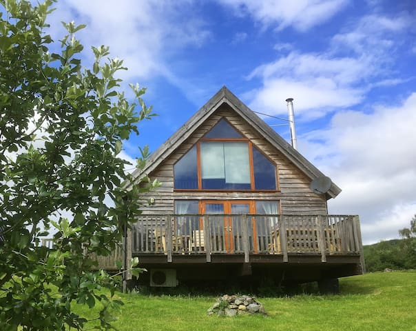 Osprey log cabin