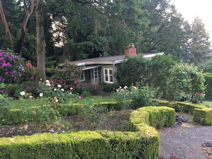 Secret Garden Guesthouse!!