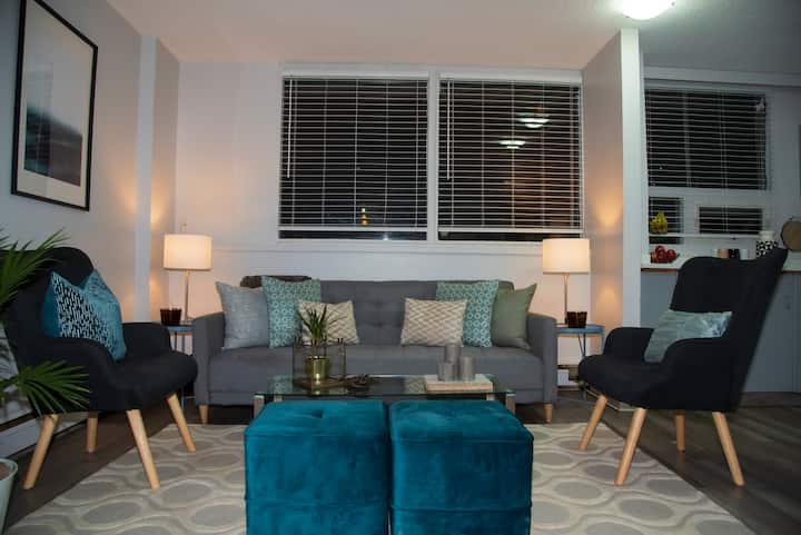 💥 Prime location - Trendy 17th Avenue apartment