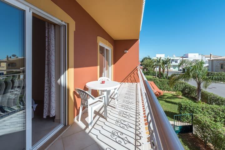 Deluxe 2 Bedroom apartment in Oasis Parque,WIFI