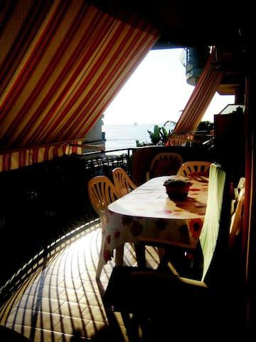 Appartamento di fronte al mare - Sant'Anna - Apartment