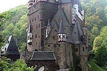For Those Historians Burg Eltz