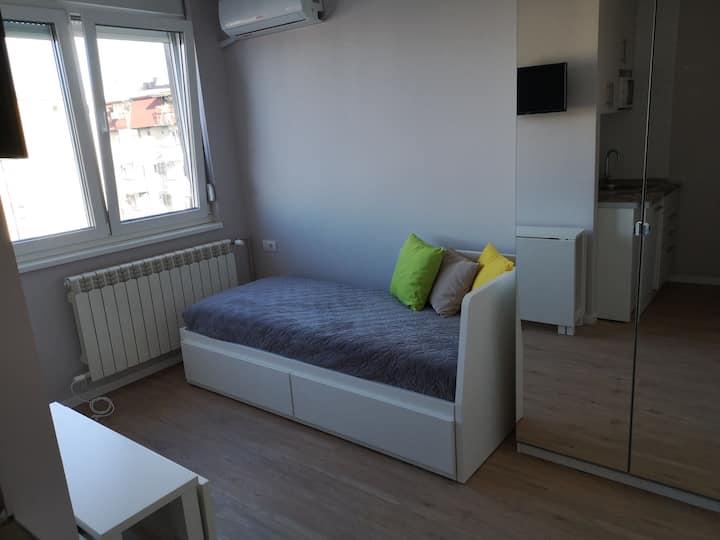 Centrally located cozy studio