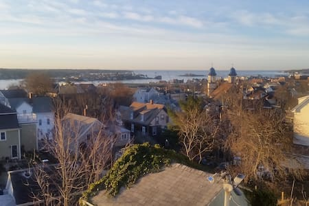 Award Winning View from Portagee Hill - Gloucester - บ้าน