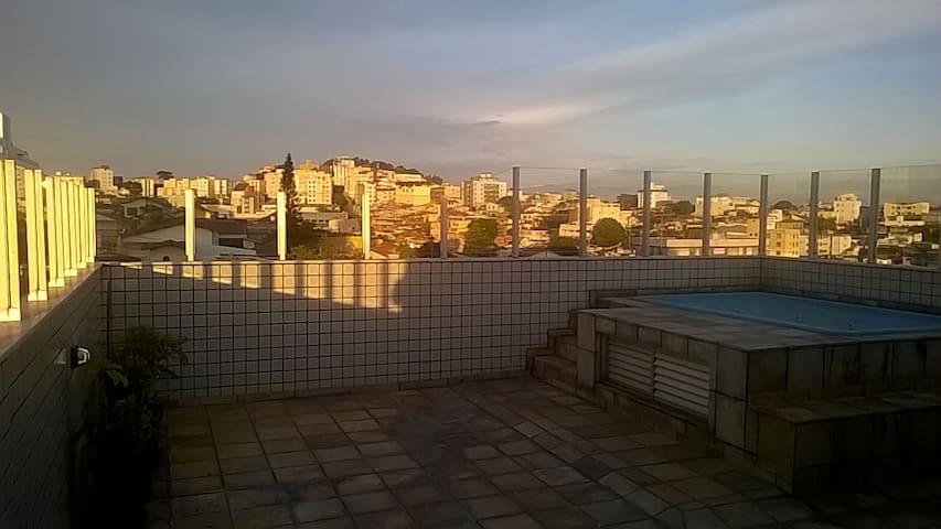 quarto em belo horizonte para viajante - Belo Horizonte - Apartemen