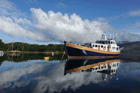 Trawler Yacht home in the Hebrides - Isle of Harris - Båt