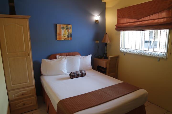 Blue Jean Room, St. Clair, P.O.S