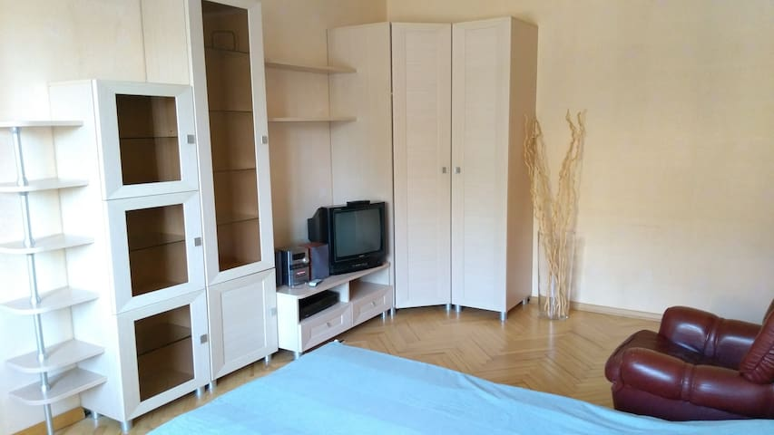 Vast, cosy flat. Просторная квартира чистом районе