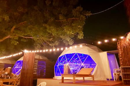12 Amazing night within nature at beach igloo