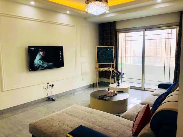 长江公园水幕电影莱茵万达商圈轻奢民宿