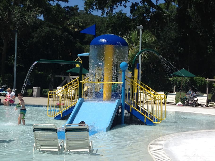Large family pool-locker rooms-multiple water games. Full access with this rental~