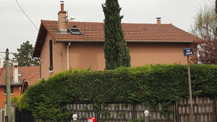 Belle villa au coeur de laCx-Rousse - Lyon - House