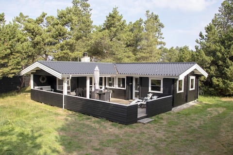 Holiday cottage with 4 bedrooms on 75m2 in Blåvand