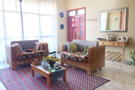 Afro-chic colourful and spacious apartment