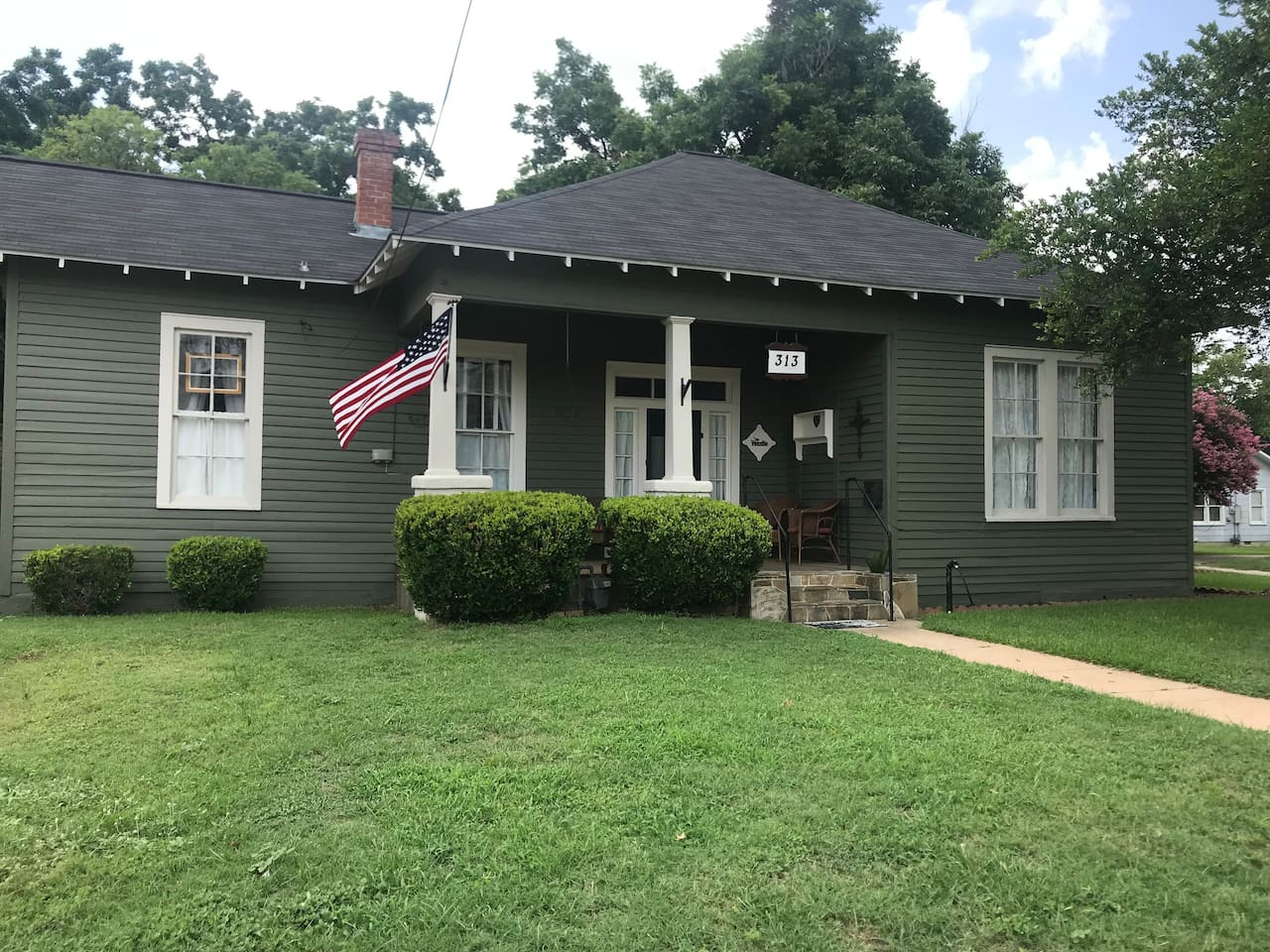 Charming early 1900's Craftsman bungalow