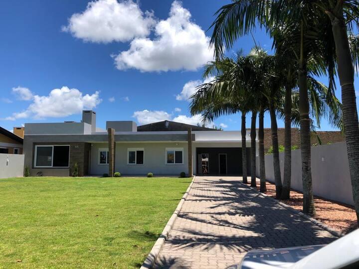 Casa em Atlântida- venha para a melhor praia do RS