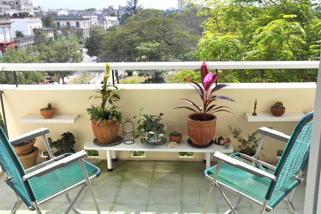 Balcony with view to John Lennon Park