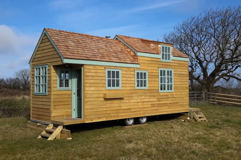 Tiny House set and ready to welcome you.