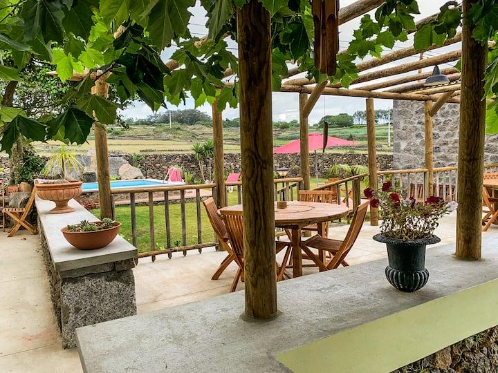 Casa do Plátano - Suíte Dupla + 1 c/ vista jardim