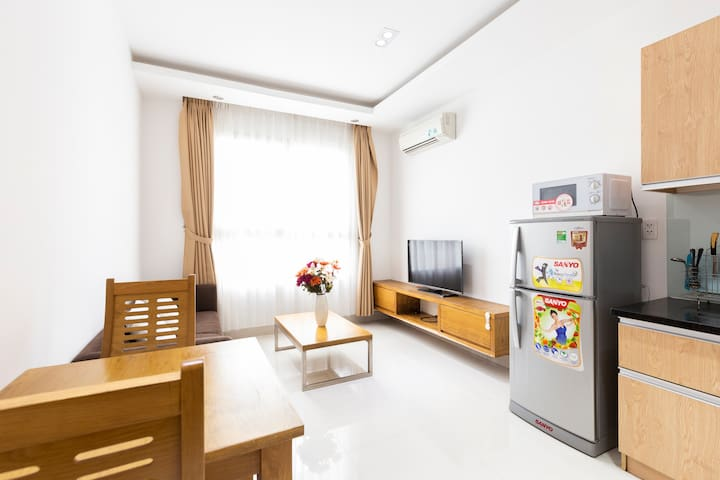 Lovely Serviced Apartment In Center District 3