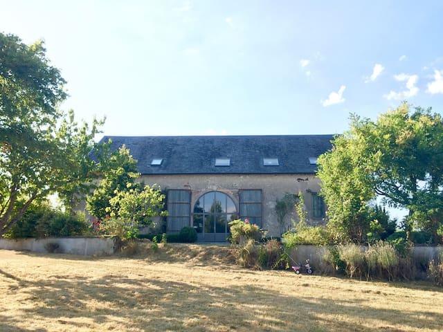 Jolie ferme rénovée au cœur des vignes - Sury-en-Vaux - House