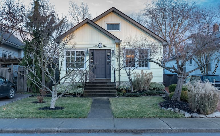 Walking Distance to Downtown ,Sought after area