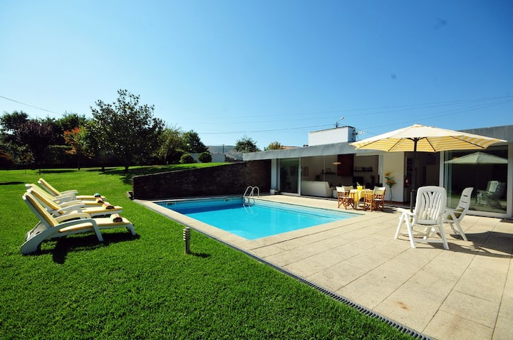 Villa 283 - Moradia térrea com Piscina privada