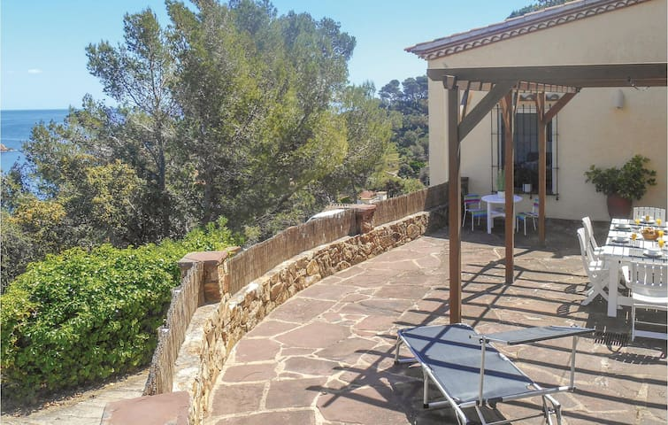 Holiday cottage with 3 bedrooms on 61m² in Tossa de Mar