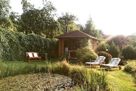 Beautiful Countryside Apartment - Člunek