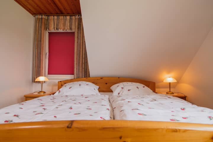 Bauernhofpension Wiebelhaus-Mester, (Lennestadt), Dreibettzimmer mit Dusche und WC