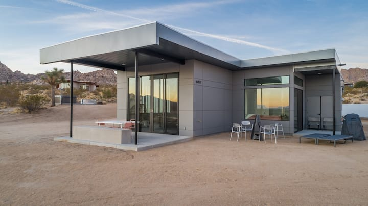 Terra Joshua Tree - Modernist Style Near Park!