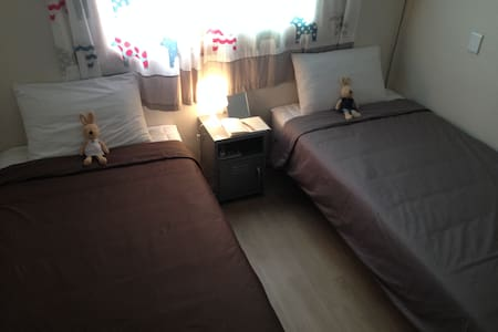 Someone's Page Guesthouse (Twin Room 1) - Okcheon-dong, Chuncheon - Bed & Breakfast