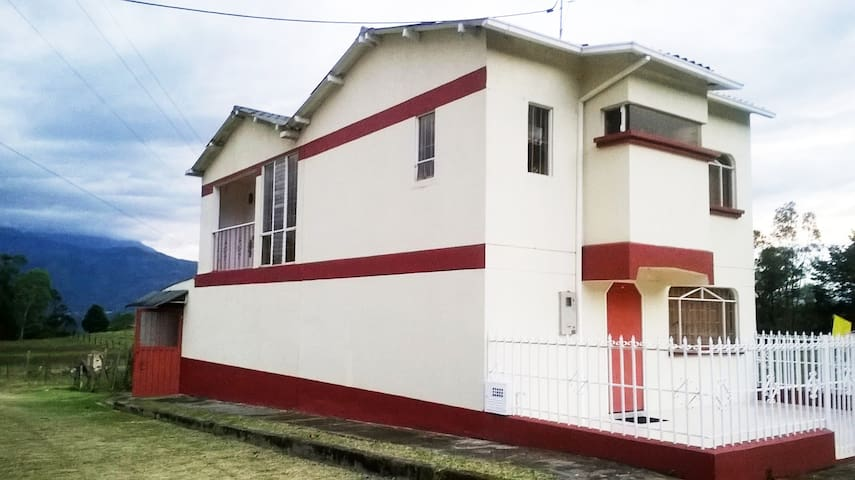 Mi Casa Es Tu Casa/Habitación 1